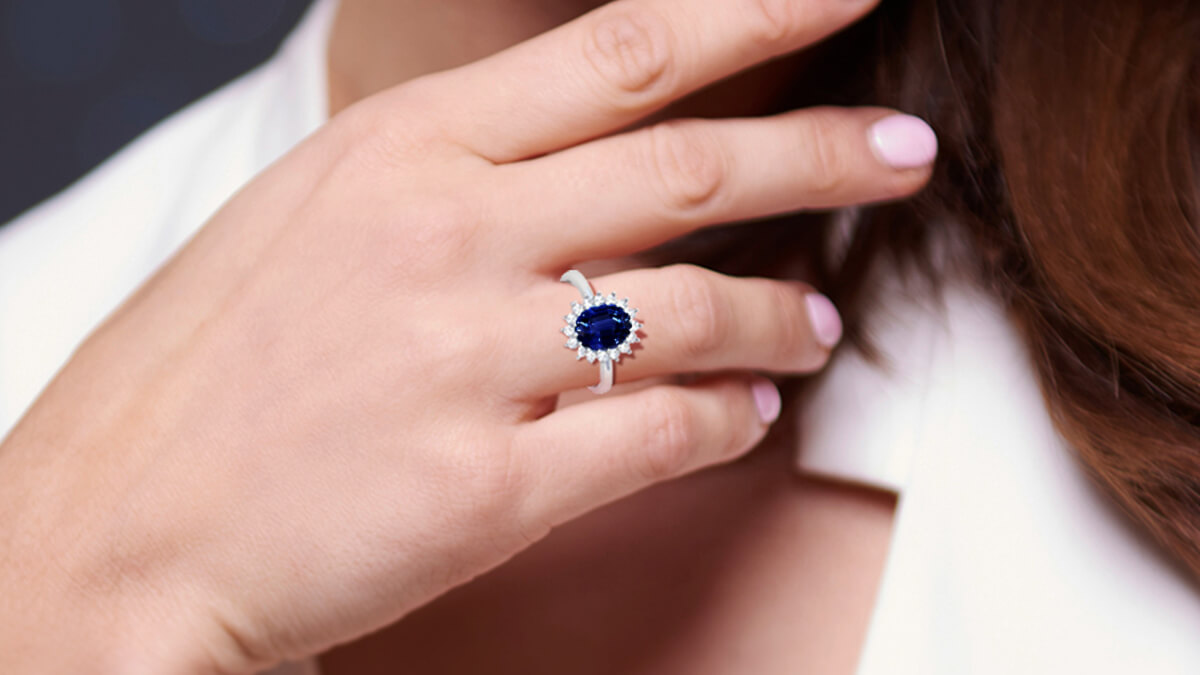 5 Tips to Choose The Perfect Engagement Ring For Yourself