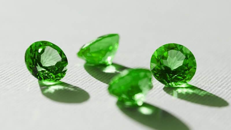 May Birthstone: The Enchanting Emerald